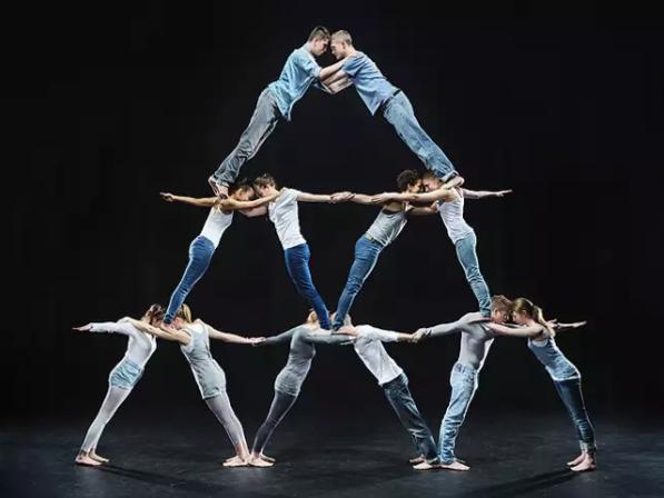 Human_Pyramid_Organizational_Charts